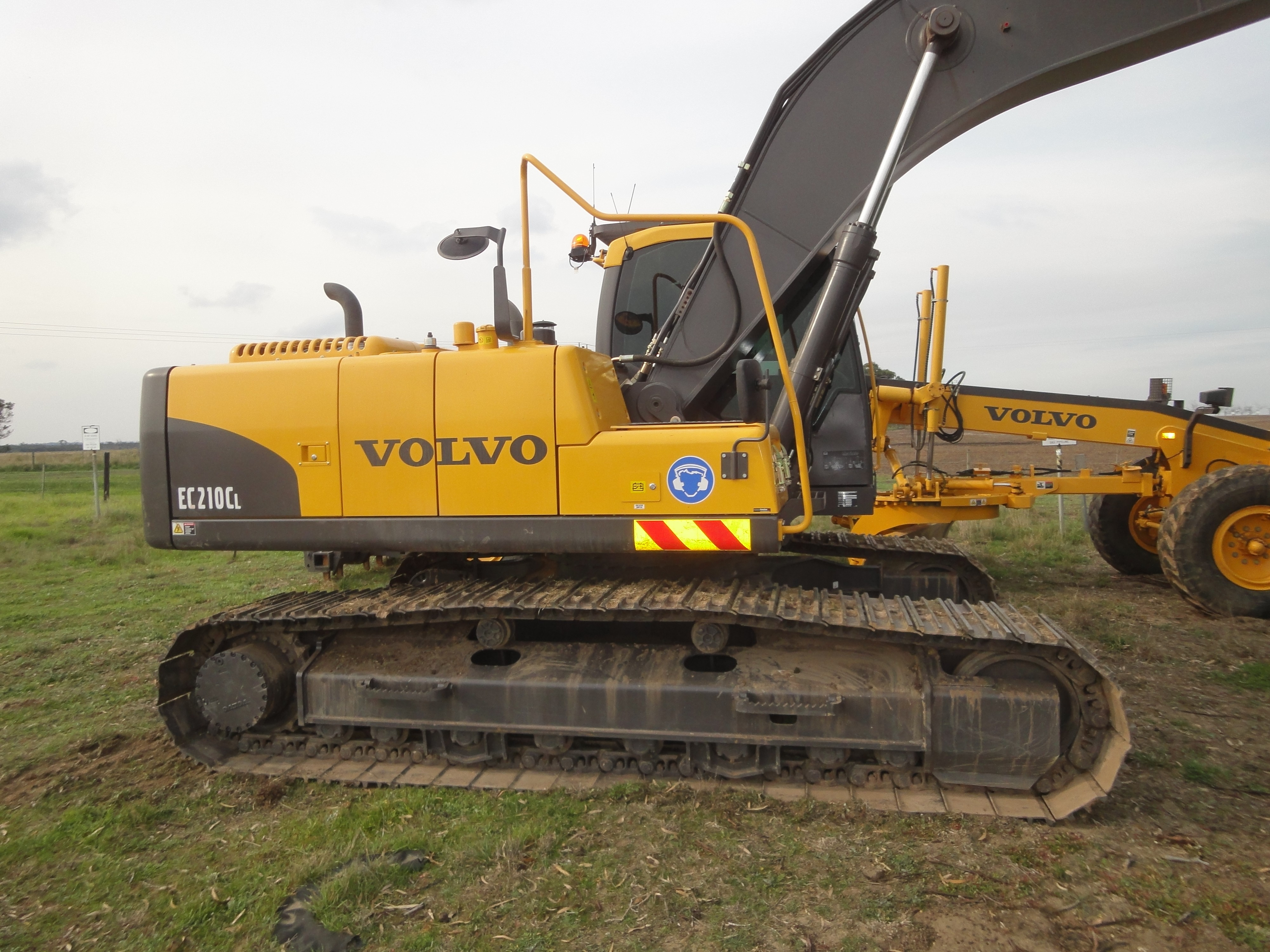 for new data hrs en volvo backhoe holland sale used